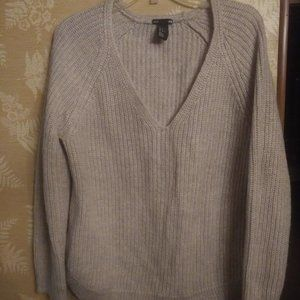 H&M womens beige rose sweater